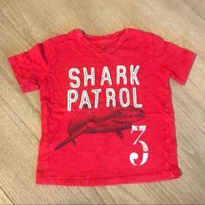 Gap kids boys 2T shark v neck tee